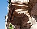 Fürth Hornschuchpromenade 15 Balkonträger 2011 09 10.jpg