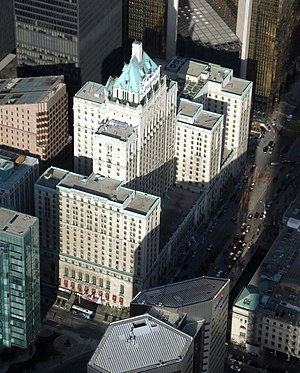 Hotels in Toronto - The Royal York Hotel, once the tallest building in Canada, is one of Toronto's most prominent hotels.