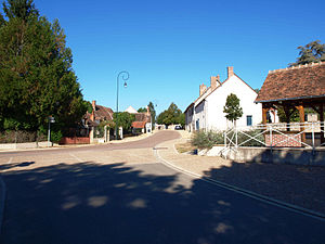 Faverelles-route.Thou-07.JPG