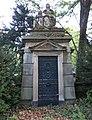 Felix Wilhelm Ernst Franz Koenigs -grave 01.jpg