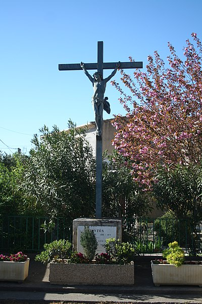Fontès (Hérault) - calvaire.