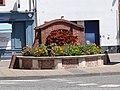 Fontaine, place des Belges (Castelsarrasin).jpg