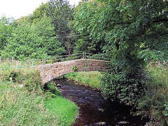 River Worth - Image: Footbridge over the River Worth near Lumbfoot geograph.org.uk 539810