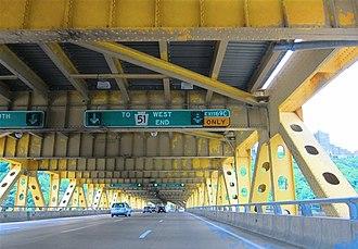 Fort Pitt Bridge - Image: Fort Pitt Bridge lower level