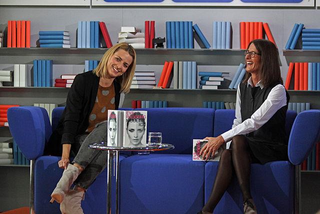 eva padberg und marita h binger auf der frankfurter buchmesse 2011. Black Bedroom Furniture Sets. Home Design Ideas