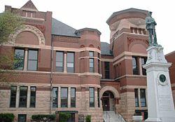 FreebornCountyMNCourthouse2006-05-21.JPG