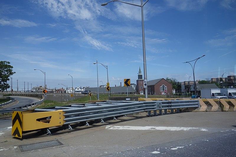 File:From the Q53 SBS td (2018-06-20) 62 - Cross Bay Bridge.jpg