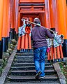 Fushimi Inari Taisha early morning maintenance (34001893745).jpg