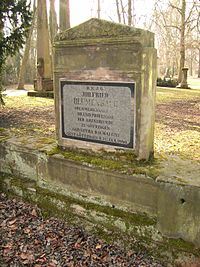 Göttingen-Grave.of.Johann.Friedrich.Blumenbach.01.jpg