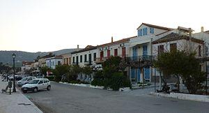 Galaxidi - The promenade.