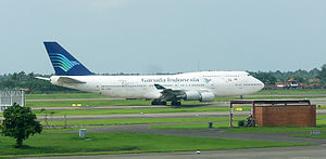 English: Garuda Indonesia Boeing 747-400 PK-GS...
