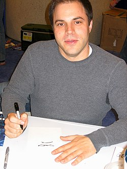 Geoff Johns at Wondercon 2006.jpg