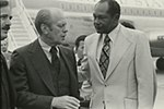 Gerald Ford arrives at LAX (1976-10-07)(1).jpg