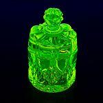 Glass flacon under UV light-1380.jpg