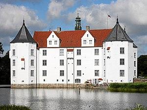 Gluecksburg Schloss v O.jpg