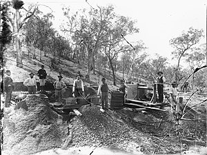 Fossicking - Fossicking for gold in Australia, 1900