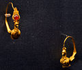 Golden rings with carnelian Staatliche Antikensammlungen 01.jpg