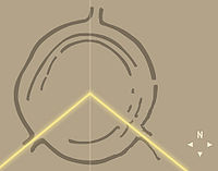 Neolitik situs dari lingkaran Goseck . The yellow lines represent the direction the Sun rises and sets at the winter solstice . Garis kuning mewakili arah Matahari terbit dan terbenam pada musim dingin solstice .