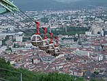 Grenoble rope way - panoramio (1).jpg