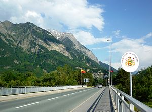 Liechtenstein–Switzerland relations - The open border between the two countries at Balzers and Trübbach