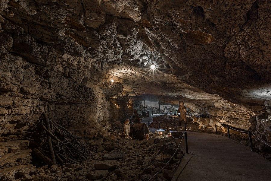 Die Grotte de Néron bei Soyons in Frankreich.