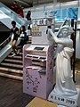 HKPUSU 香港理工大學 學生會 PolyU Students' Union VA Building 民主女神 white Goddess of Democracy duplicate Jan-2013.jpg