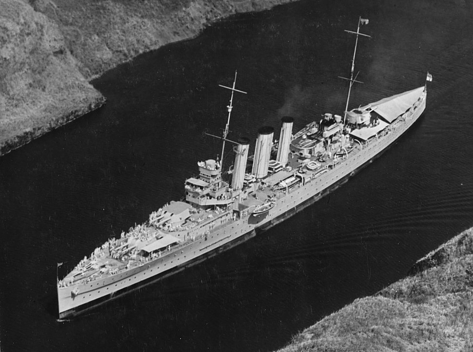 HMAS Australia (D84) passing through the Panama Canal in March 1935