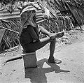 Haarverzorging in het boslandcreooldorp Wakibasoe, Bestanddeelnr 252-5820.jpg