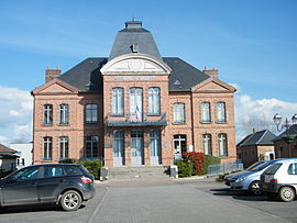 The town hall in Hallencourt
