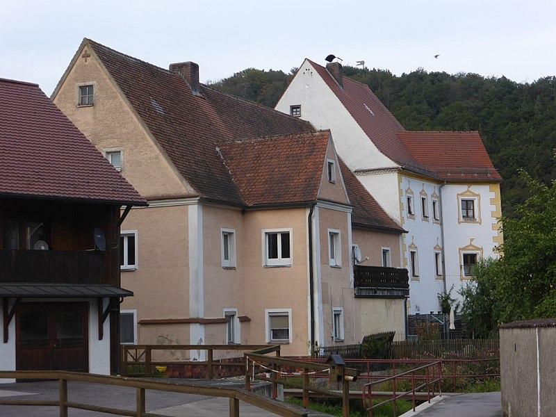 Datei:Hammerschloss Rohrbach mit Schlossschänke.jpg – Wikipedia