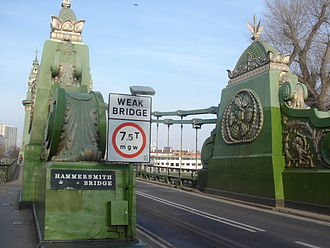 Hammersmith Bridge - End details