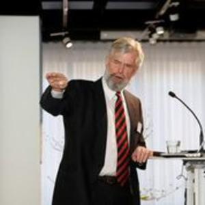 Hans Jørgen Koch - Hans Jørgen Koch presenting