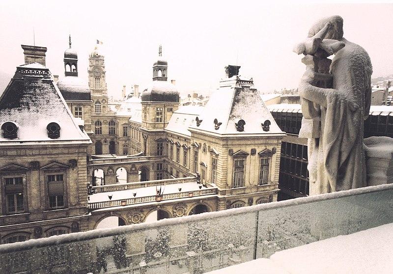 File:HdV Lyon sous la neige.jpg