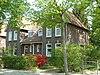 foto van Dubbel woonhuis gebouwd in de stijl van het traditionalisme