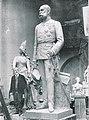 Heykeltraş Eugen Boermel ve Franz Josph heykeli.jpg