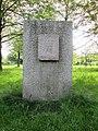 Hiroshima-Gedenkhain - Gedenkstein mit der Friedensgöttin Kannon - Hannover-Bult - panoramio.jpg