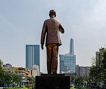 Ho Chi Minh City, Ho Chi Minh Statue, 2020-01 CN-03.jpg
