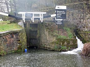 Huddersfield Narrow Canal - Start Lock 1E Approach (RLH).JPG