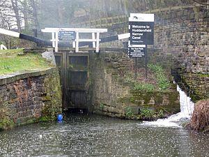 Huddersfield Narrow Canal - Lock 1E - Start of the Huddersfield Narrow Canal