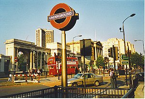 Hyde Park Corner. One of London's busy main ro...