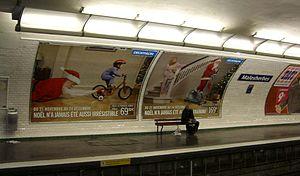 Malesherbes (Paris Métro) - Image: In the metro at Paris