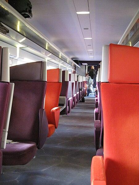File int rieur de voiture du train grande vitesse tgv for Interieur de voiture