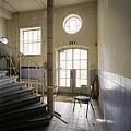 Interieur, overzicht van de hal, links achter, met zicht op trap - Tilburg - 20388685 - RCE.jpg