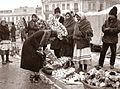 Iosif Berman - Doamnele Bucureştiului cumpărând sorcove, decembrie 1931.jpg