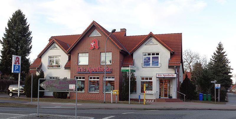 File:Iris Apotheke in Blankenfelde.JPG