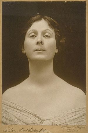 Portrait of Isadora Duncan.