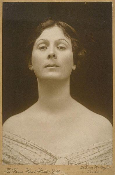 File:Isadora Duncan portrait.jpg