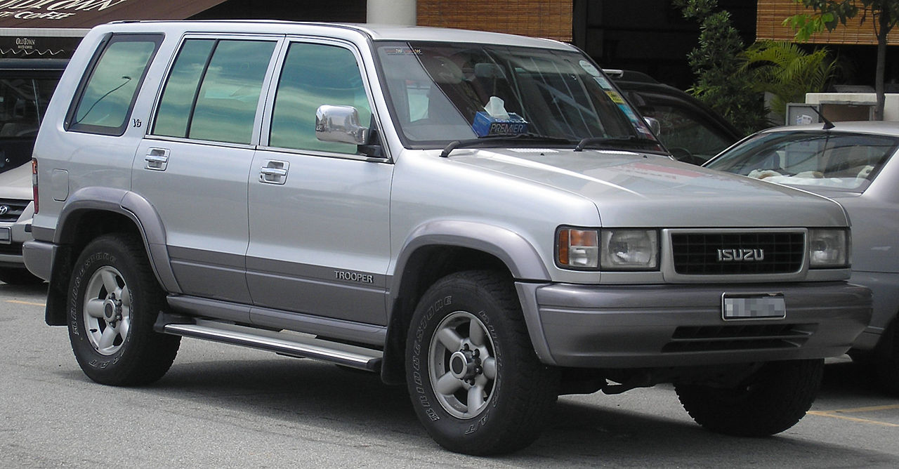 File Isuzu Trooper Second Generation Front Serdang