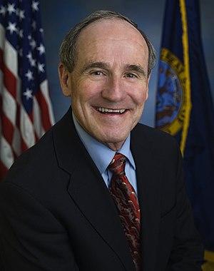 United States Senate election in Idaho, 2008 - Image: James E. Risch, official Senate photo portrait, 2009