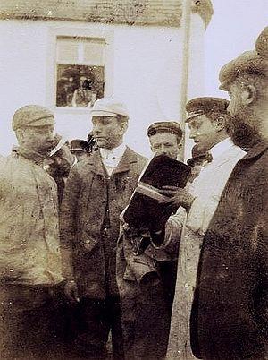 "Arthur John McCormack - Arthur (left) talks to Charles Jarrott, ""Circuit des Ardennes"" winner, 1902."